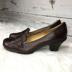 Soft leather heeled leather loafers size 9.5M
